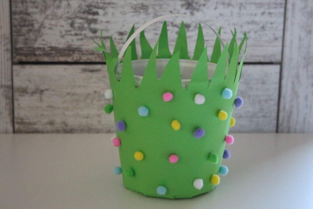 Paasmandjes maken; Pasen knutselen met peuter of kleuter