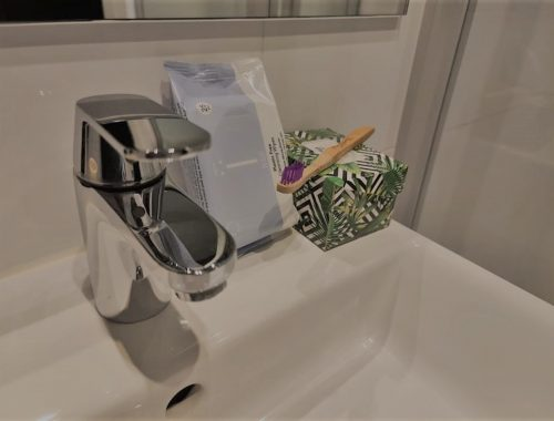 Minder plastic in badkamer