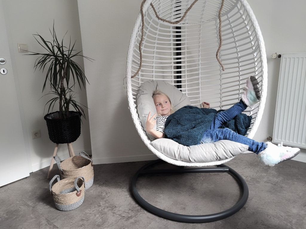 Hangstoel stylen - Zo doe je dat - Hangei van Kees Smit Tuinmeubelen Review Blog